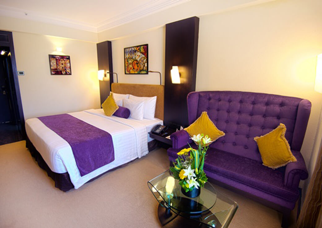 Deluxe Rooms at Sterlings Mac Hotel