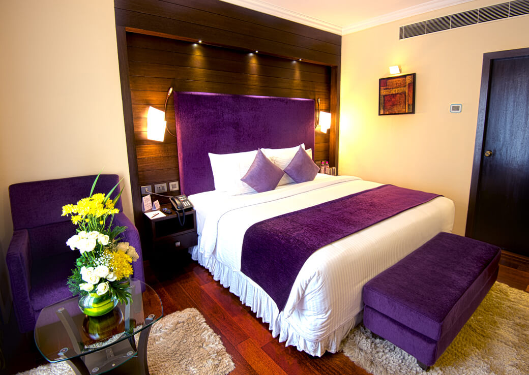 Deluxe Suite Rooms at Sterlings Mac Hotel