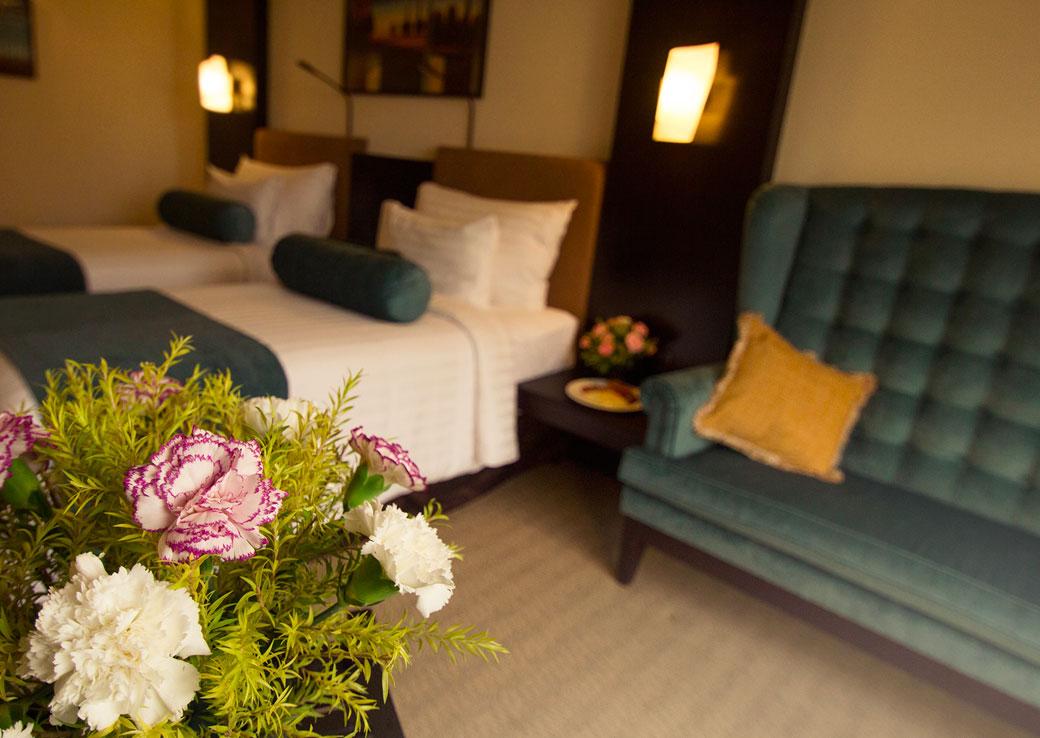 5 Star Luxury Hotel in Bangalore - Sterlings Mac Hotel